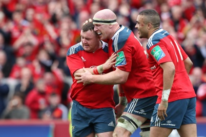 LIMERICK, IRELAND - APRIL 05: Paul O'Connell of Munster is congratulated by Dave Kilcoyne (left) and Simon Zebo after scoring the last try for Munster during the Heineken Cup Quarter Final match between Munster and Toulouse at Thomond Park on April 5, 2014 in Limerick, Ireland. (Photo by Patrick Bolger/Getty Images)